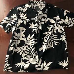 Black & white Hawaiian button up shirt.